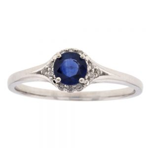 Drakes jewellers Plymouth, diamond ring, sapphire ring, diamond ring, statement ring for her