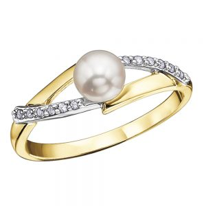 Drakes jewellers Plymouth, diamond ring, pearl yellow and white gold ring