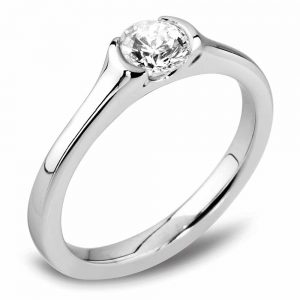 Diamond engagement ring, platinum diamond ring, Drakes jewellers, Plymouth, Platinum ring