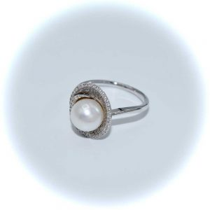 Drakes Jewellers, Diamond and Pearl Ring, Diamond Ring, 18ct White Gold Diamond and Pearl Ring